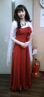 伊舞さん赤いドレス.jpg