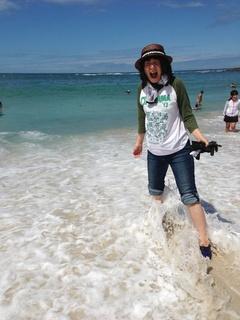 白良浜で海へ.jpg