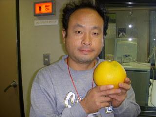 10.12.14服部さんと八朔.JPG