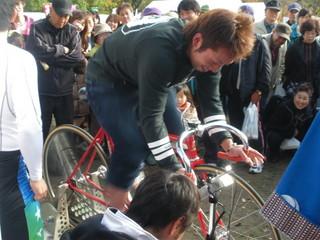 なんと、兄・中野彰人選手が飛び入りで挑戦!