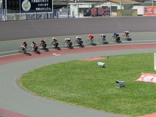 ケイリン予選3組 初周はスタートコース順に周回