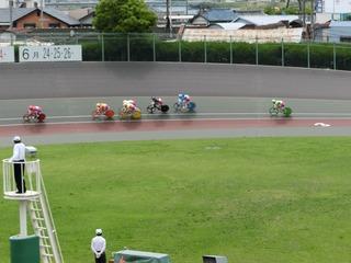 2日目7R 最終3コーナー過ぎの攻防