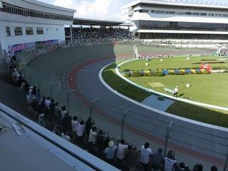 GPと変わらぬ数のファンが1〜2コーナースタンドに