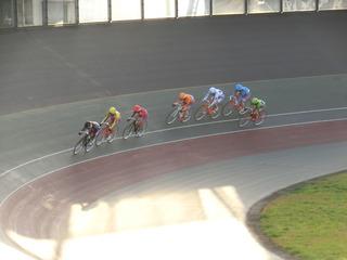最終日10R「ガールズ決勝」 ジャン過ぎ4コーナーの攻防