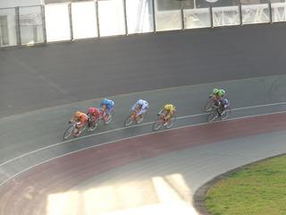 最終日10R「ガールズ決勝」 最終4コーナーの攻防