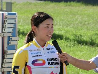 優勝インタビューに答える山本選手