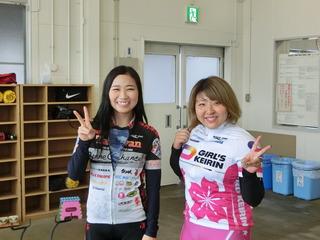 (左から)島田・鈴木選手