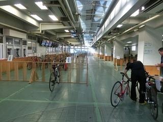 無料休憩所も自転車保管所でした