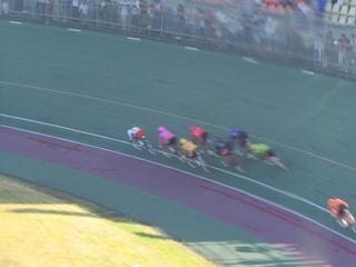最終日11R 最終4コーナーの攻防