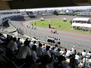 少年4�q速度競走準決勝2組 4周目HS 山田が永橋を交わしにかかる