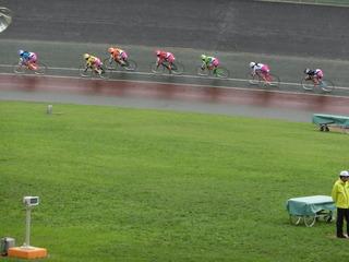 初日6R 最終2コーナーの攻防