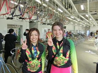 山口優衣選手(左)と梅田夕貴選手