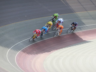 最終日7R「ガールズ決勝戦」 最終4コーナーの攻防