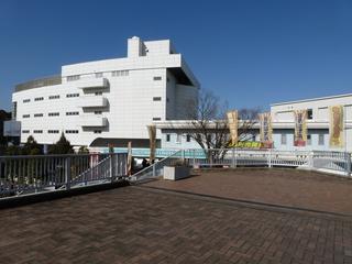 大宮競輪場 東門入場口と前売発売所