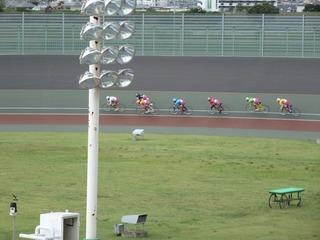最終日11R「ガールズ決勝戦」 最終2コーナーの攻防