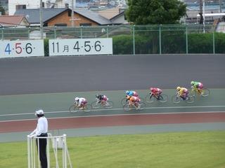最終日11R「ガールズ決勝戦」 最終3コーナー過ぎの攻防