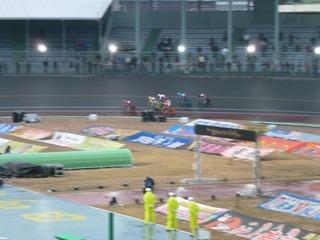 11RガールズGP 最終3コーナーの攻防