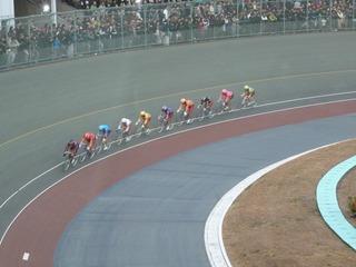 11R競輪GP3周目1コーナー