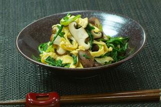 焼き椎茸と菊菜の柚子酢.jpg