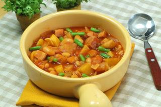 豆とたっぷり野菜のトマトジュース煮.jpg